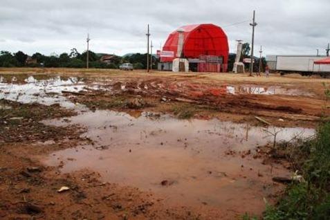 Resultado de imagem para muita lama no carnaval em parauapebas