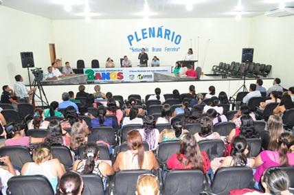 Prefeito Jeova em discurso aos profissionais da educaçao