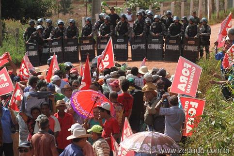 Garimpeiros decidem invadir mina e entram em confronto com a PM