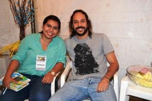 Coordenadora Municipal de Juventude Rayana Gondin recepcionou o cantor Gabriel o Pensador no camarim