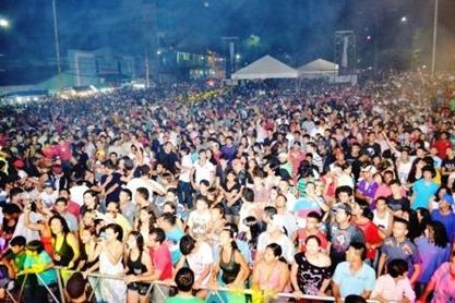 Praça de Eventos lotada na II Semana de Juventude de Parauapebas