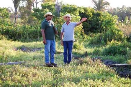representante do sebrae e produtor rural