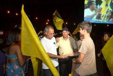 Itamar Francisco e Valdemar da Pavinorte durante comício em Canaã dos Carajás