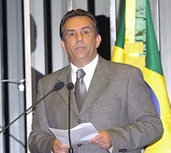 Ex-senador Luiz Campos (MDB) é solto e vai responder em liberdade à suspeita de caixa 2