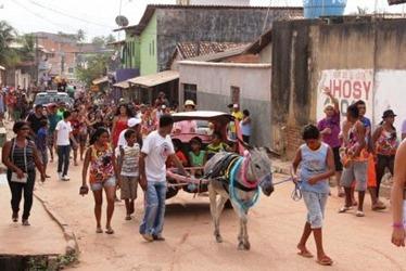 Jegue Elétrico faz a alegria dos foliões no KM 7, em Marabá