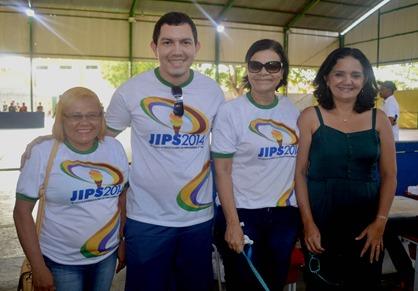secretária de Educação e parte da equipe organizadora do Jips (1)