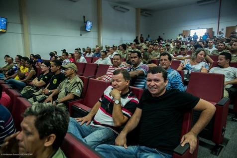 Comunidade na plenário