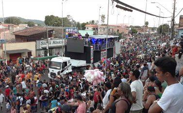 Milhares vão às ruas de Tucuruí em segundo arrastão do Minhocão