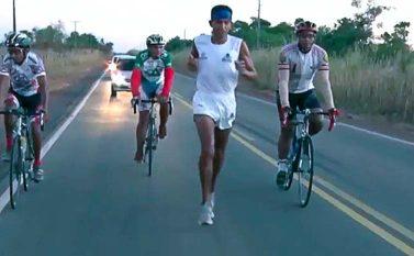 """Conheça a história de Guaraci, o """"Lobo Guará"""", maratonista do Sul do Pará"""