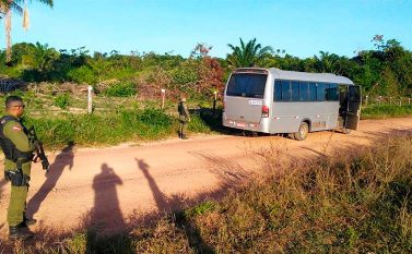 Em Abel Figueiredo, assaltantes mantêm reféns em van