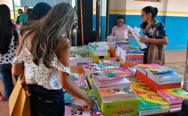 Educadores de Jacundá escolhem livros didáticos para 2019