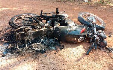 Festa entre amigos deixa saldo de esfaqueamento e moto incendiada