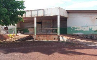 Reforma do Hospital Municipal de Floresta está com seis meses de atraso