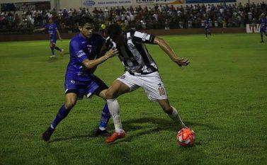 Dois pênaltis definem empate entre Águia e Pantera no Zinho Oliveira