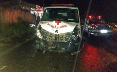 Ambulância bate em moto e mata condutor em Breu Branco
