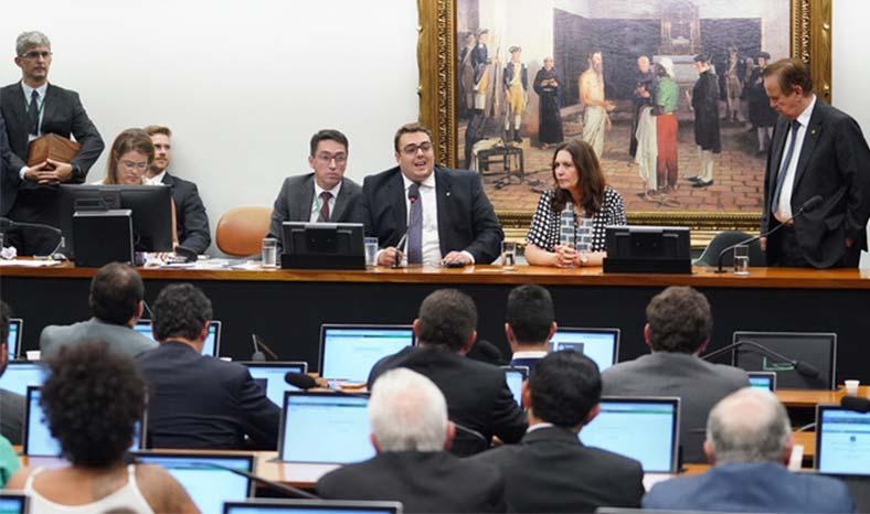 Câmara dos Deputados instala Comissões Permanentes