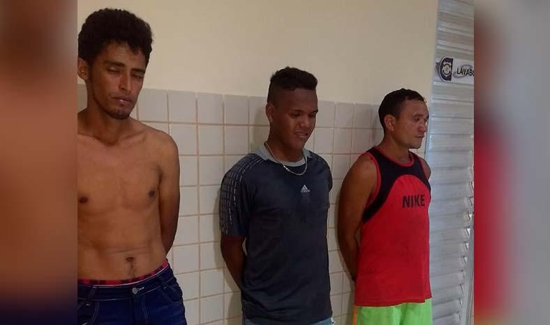 Em Jacundá, trio é flagrado após roubo de celular