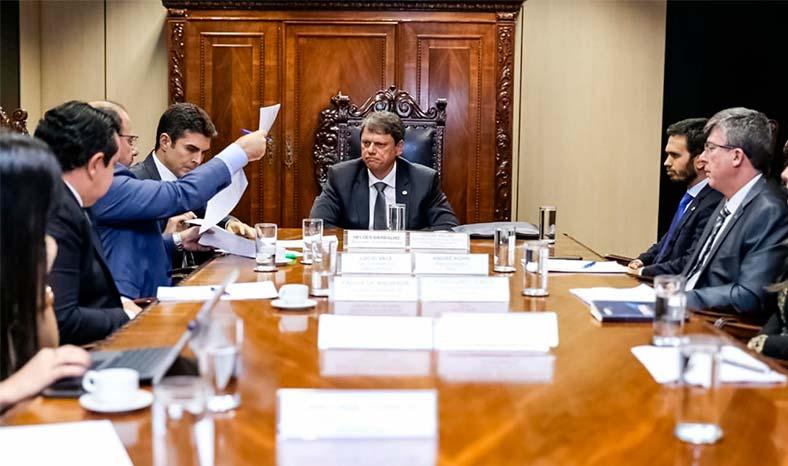 Governador Helder Barbalho cobra obras de infraestrutura