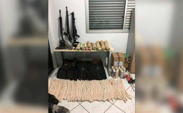 Polícias prendem assaltantes de banco e apreendem arsenal em Redenção