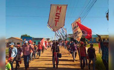 Justiça autoriza despejo de famílias de acampamento em Eldorado