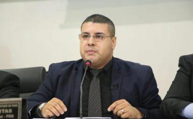 Deputado estadual Fábio Freitas dribla o tempo para executar atividades