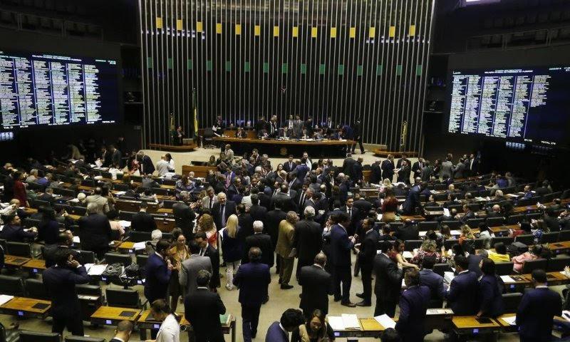 Após repercussão internacional, Congresso volta a incluir Amazônia no debate político