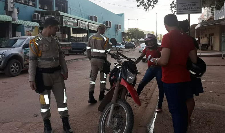 DMTU de Jacundá altera faixa de estacionamento na JK para melhorar o trânsito