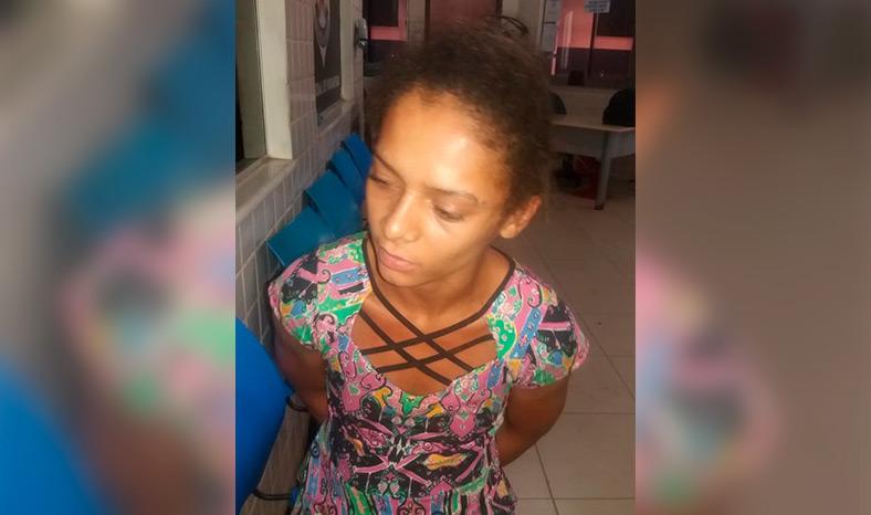 Polícia Militar prende mulher que furtou comércio na madrugada com o amante