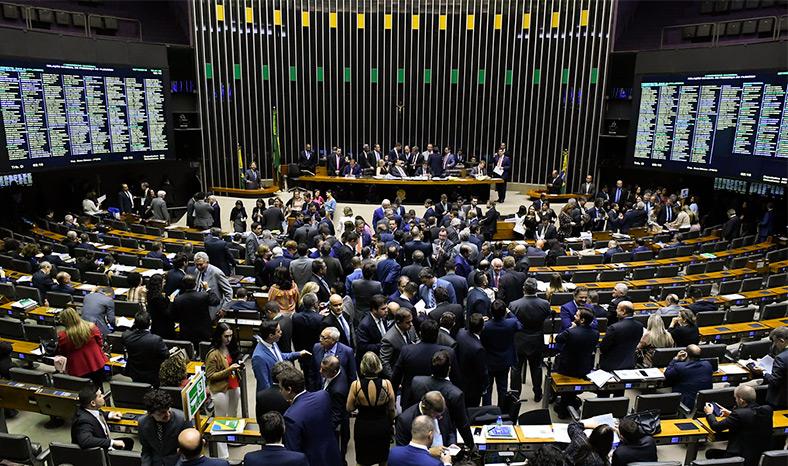 Senado delibera sobre MPs que trancam a pauta em dia de sessão do Congresso