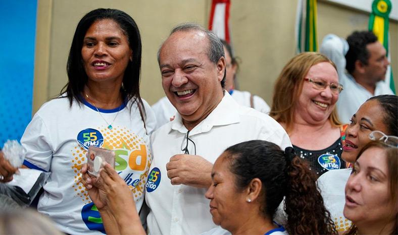 Cerca mil pessoas prestigiam a filiação de Tião Miranda ao PSD