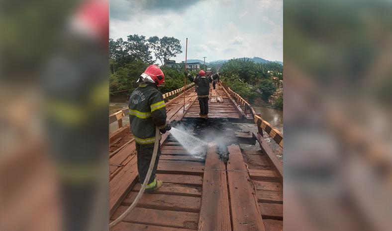 Prefeitura interdita ponte do City Park, incendiada em ato de vandalismo