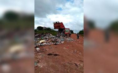 Lixo despejado em estrada rural de Jacundá é alvo de críticas em redes sociais