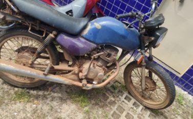 Moto de homem encontrado morto em poço é recuperada