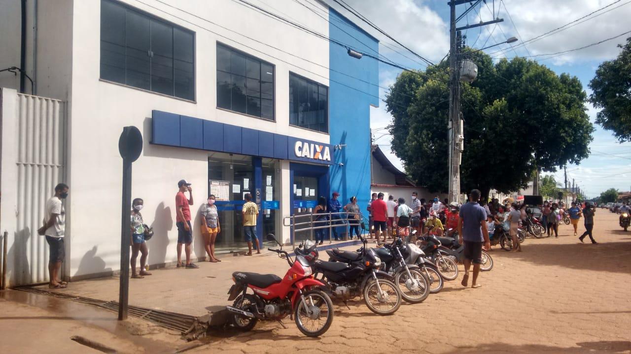 Filas persistem na Caixa Econômica e na casa lotérica em Jacundá