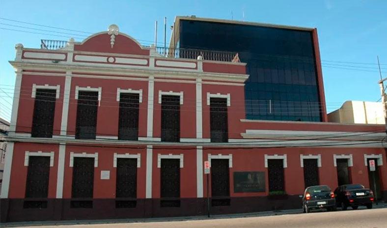 Promotora denuncia colapso nas redes pública e privada de Marabá e exige providências