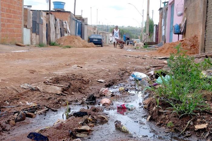 Levantamento do IBGE revela que 40% dos municípios não têm serviço de esgoto
