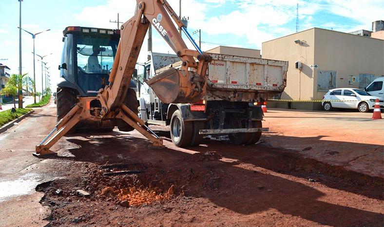 Prefeitura de Parauapebas fecha megacontratos para recuperar asfalto das ruas