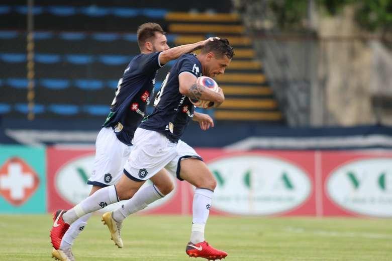 Com dois gols de Eduardo Ramos, Remo vence o Águia de virada e conquista classificação