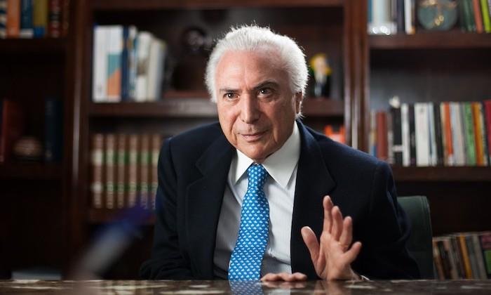 Bolsonaro convida Michel Temer para chefiar missão de ajuda ao Líbano
