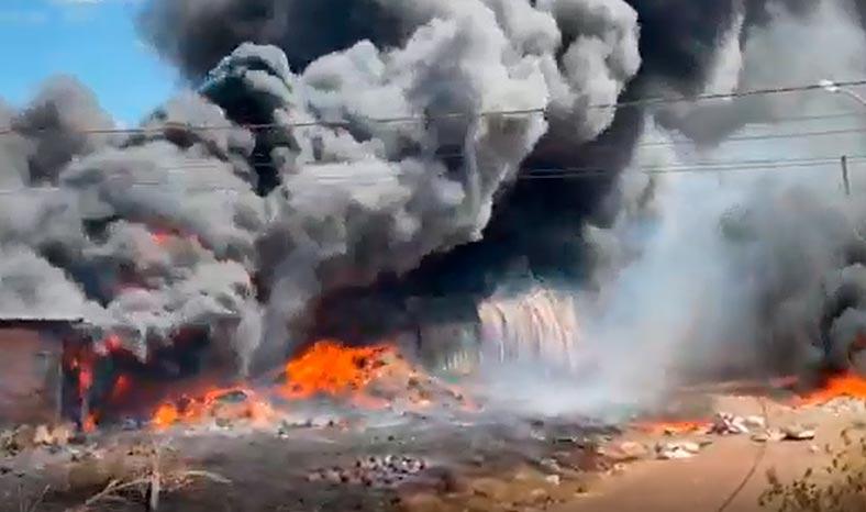Ourilândia do Norte: incêndio em depósito de materiais recicláveis causa pânico na população