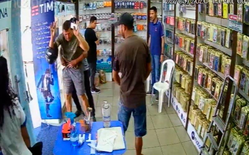 Marabá: Assaltantes tomam arma de policial na rodoviária
