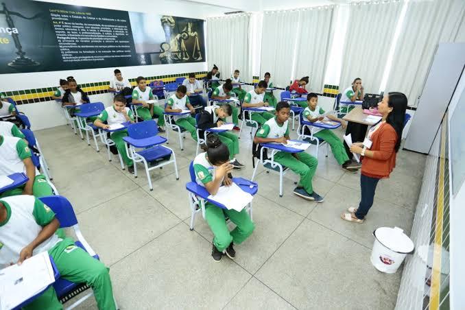 Canaã: Servidores da Educação participam de consulta para currículo do Ensino Fundamental