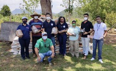 São Félix do Xingu: Agricultores recebem insumo para correção do solo